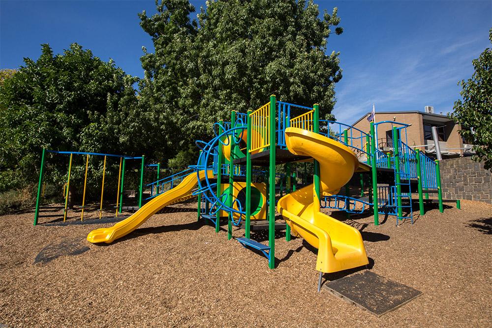school_0001_activityplayground-15