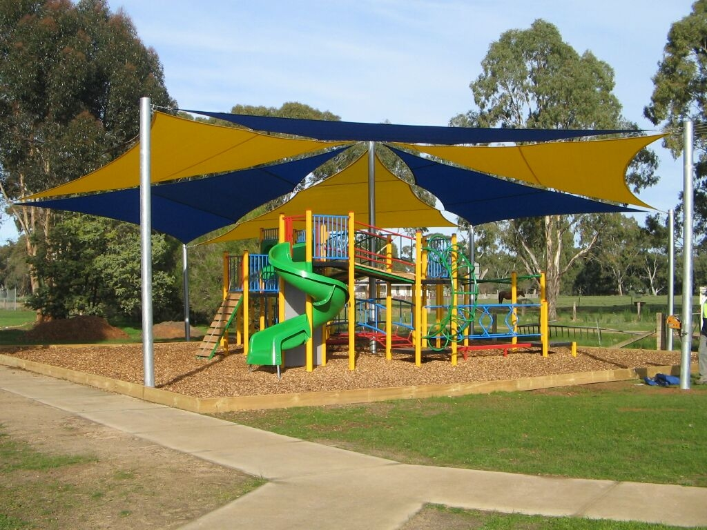 Navarre Primary School Playground Shade Sail
