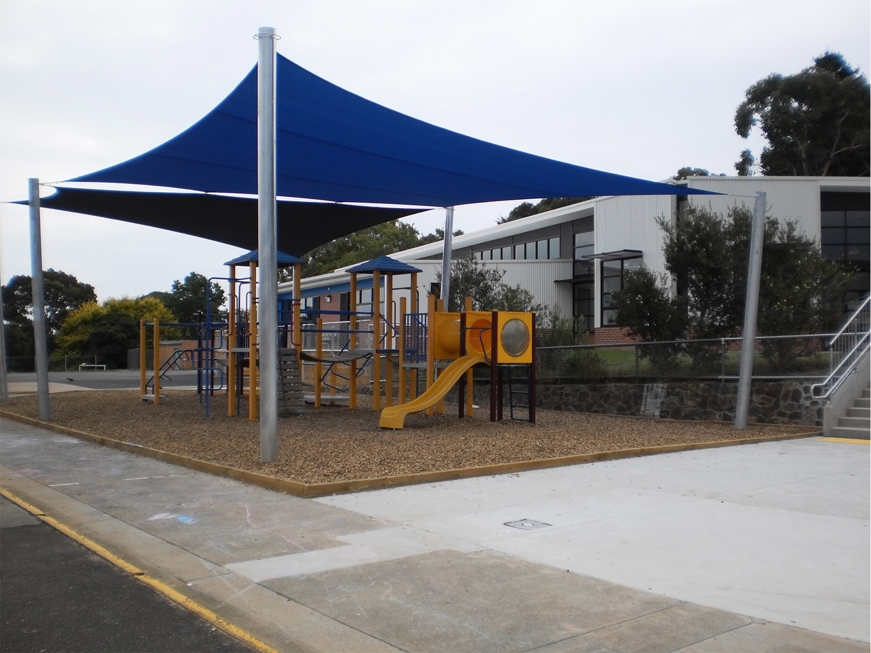 Boronia Heights OS shade sail playground