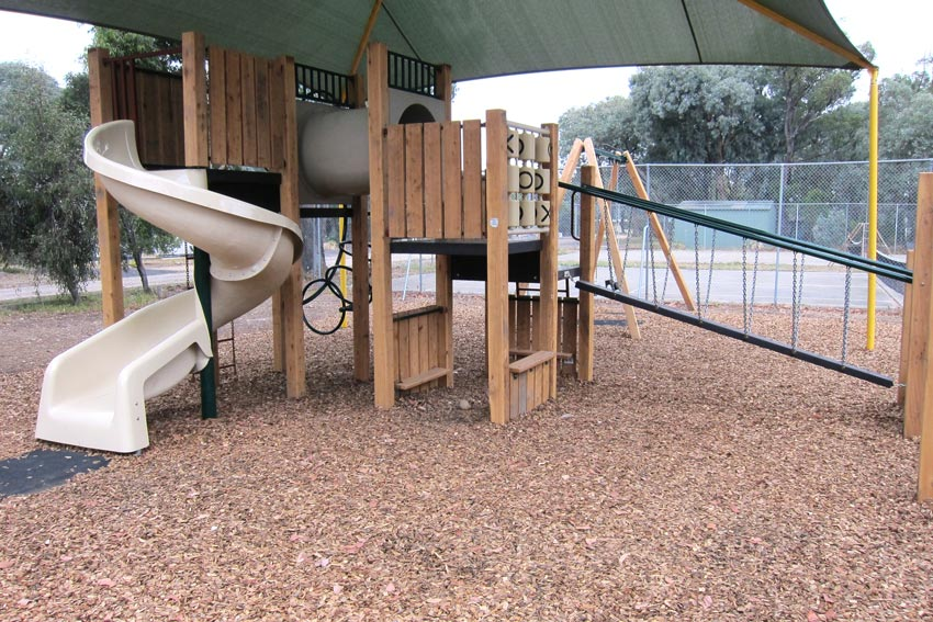 children, kids, explore, fun, playground, playspace, play space, coongulla community centre, wellington shire, spiral slide